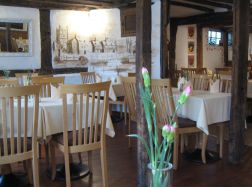 The Abbot's Table - eat & drink in tewkesbury